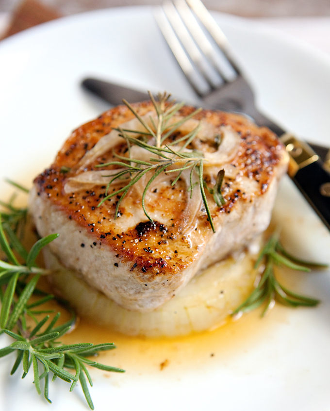 IMG_2553_edit_crop_rosemary_tarragon_pork_chops_kitchen_serendipity_blog